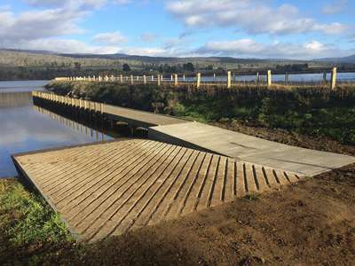 A new landing stage for the boat ramp on Meadowbank Lake